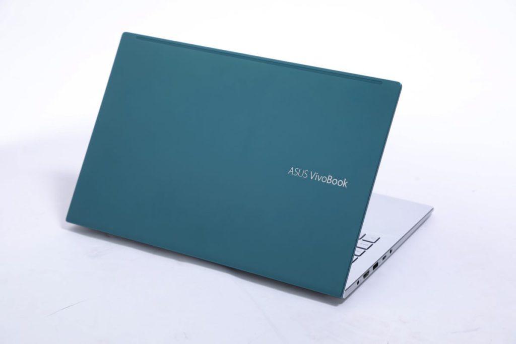 綠色配銀色的撞色設計,相當討人歡喜。