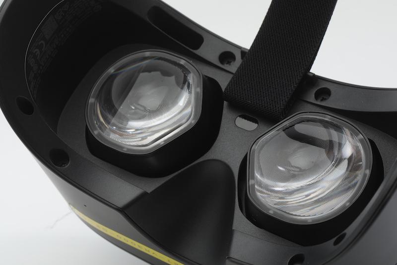 採用由 Valve 開發的改良版透鏡。