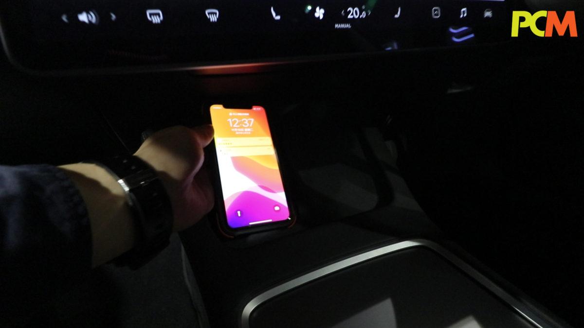 2020 年 10 月 16 日 - Model 3 正式推出更新版本