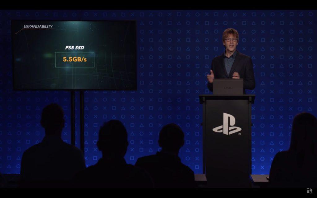 早在今年三月,PlayStation 的硬件工程師 Mark Cerny 就曾預告 PlayStation 可能不能在推出初期提供 SSD 擴充功能。