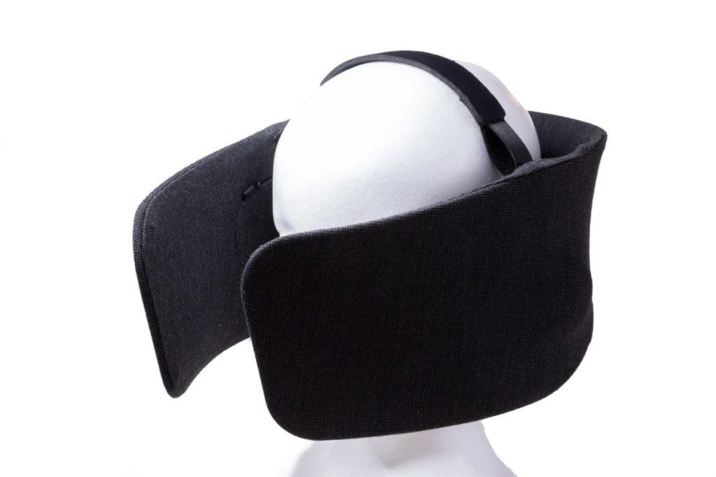 WEAR SPACE 本身基本上不需要頭帶就能戴得穩,不過針對頭部較小的人和小孩也提供了頭帶。