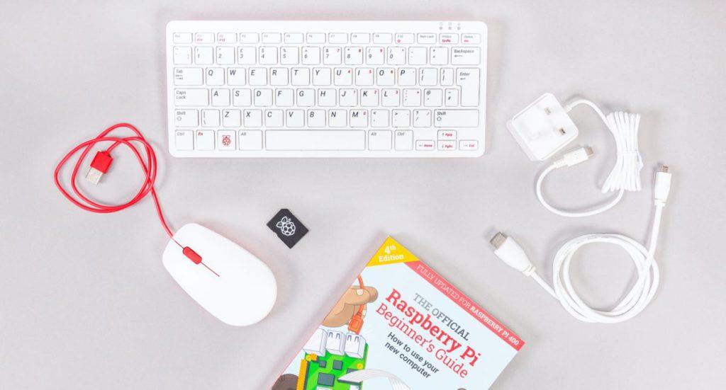 RPi 400 另有一款套裝,除了鍵盤外還包括 5.1V3A 火牛、有線滑鼠、預載了 Raspberry Pi OS 的 microSD 卡、 1 條 micro-HDMI 線和一本入門指南,售港幣 $783 。