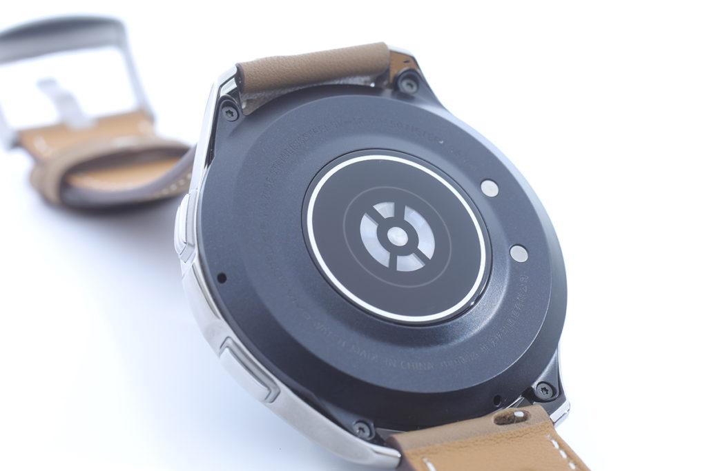 vivo Watch 除了一般的心率偵測及消耗卡路里追蹤外,亦支援血氧濃度檢測。