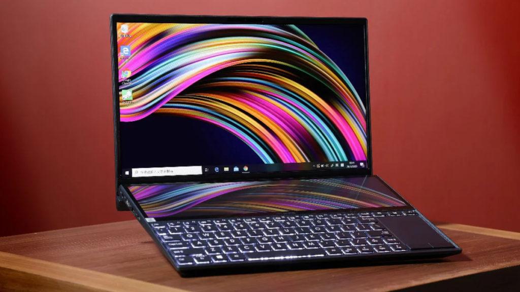 """ASUS Zenbook Duo 鍵盤上方的 12.6"""" ScreenPad Plus 觸控屏幕,它可讓你以不同方式將工作流程最佳化及個人化。更可以利用雙屏幕進行 「屏幕切換」、「畫面延伸模式」、 「常用工作組合設定」 等等。"""