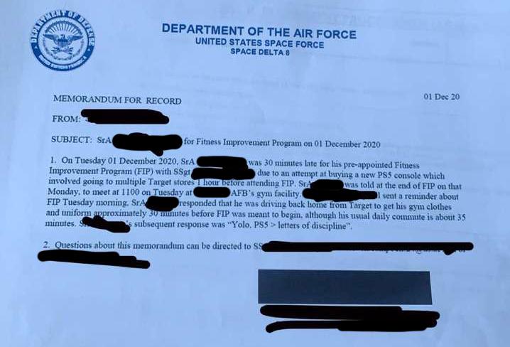 網上流傳美國太空軍向那名遲到飛行員發出的警戒信。