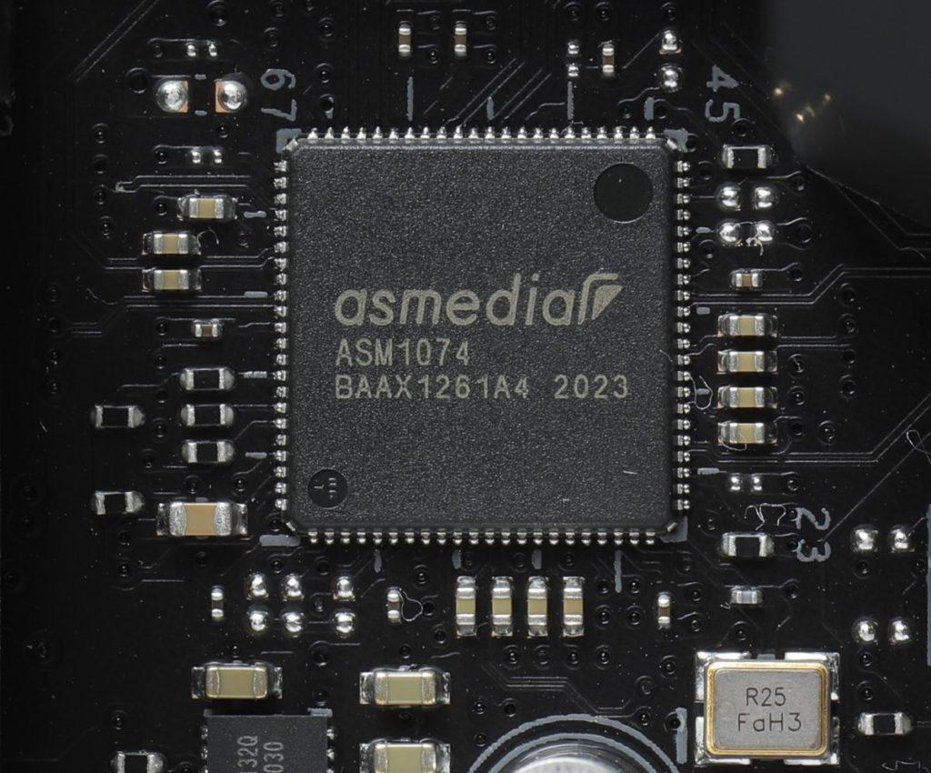 板上另加 ASM1074 晶片,以支援更多 USB 3.0 。