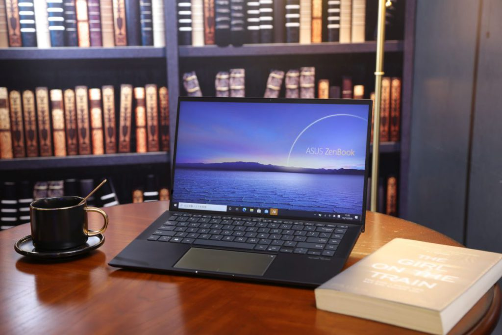 ZenBook 14,配備 NVIDIA GeForce MX450獨立顯示卡,以提升主機在圖像顯示的處理能力。