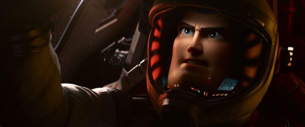 《 Lightyear 》講述巴斯光年由測試飛行員成為太空遊俠的故事。
