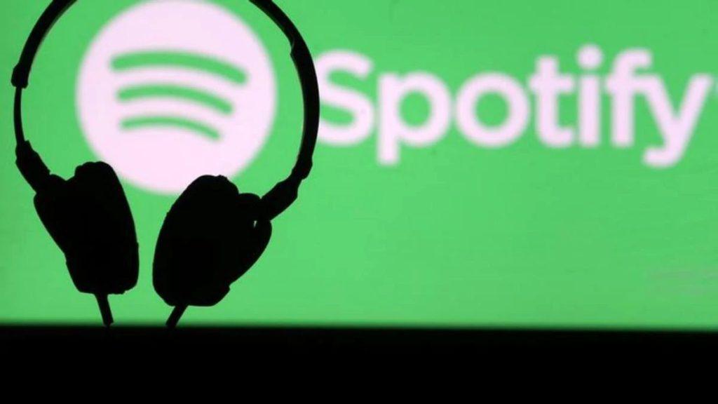 由於居家工作關係,人們更常使用串流音樂和影片平台來欣賞音樂,令到那方面的版權收入錄得超過 20% 增長。