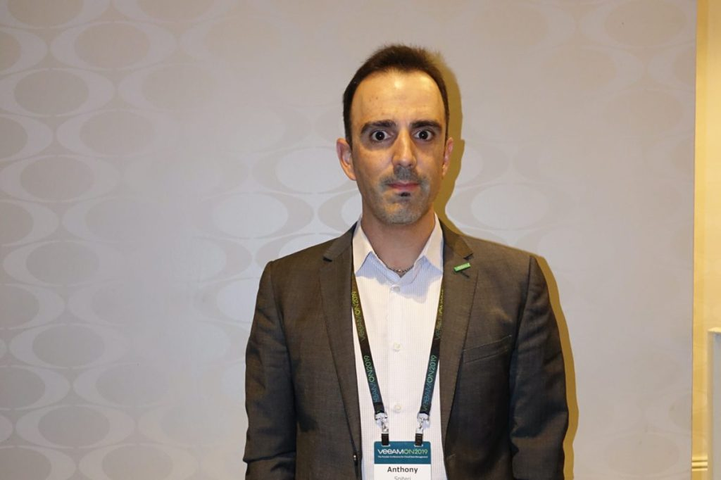 Anthony Spiteri 指出,明年的混合雲和容器市場將是 Veeam 的增長。