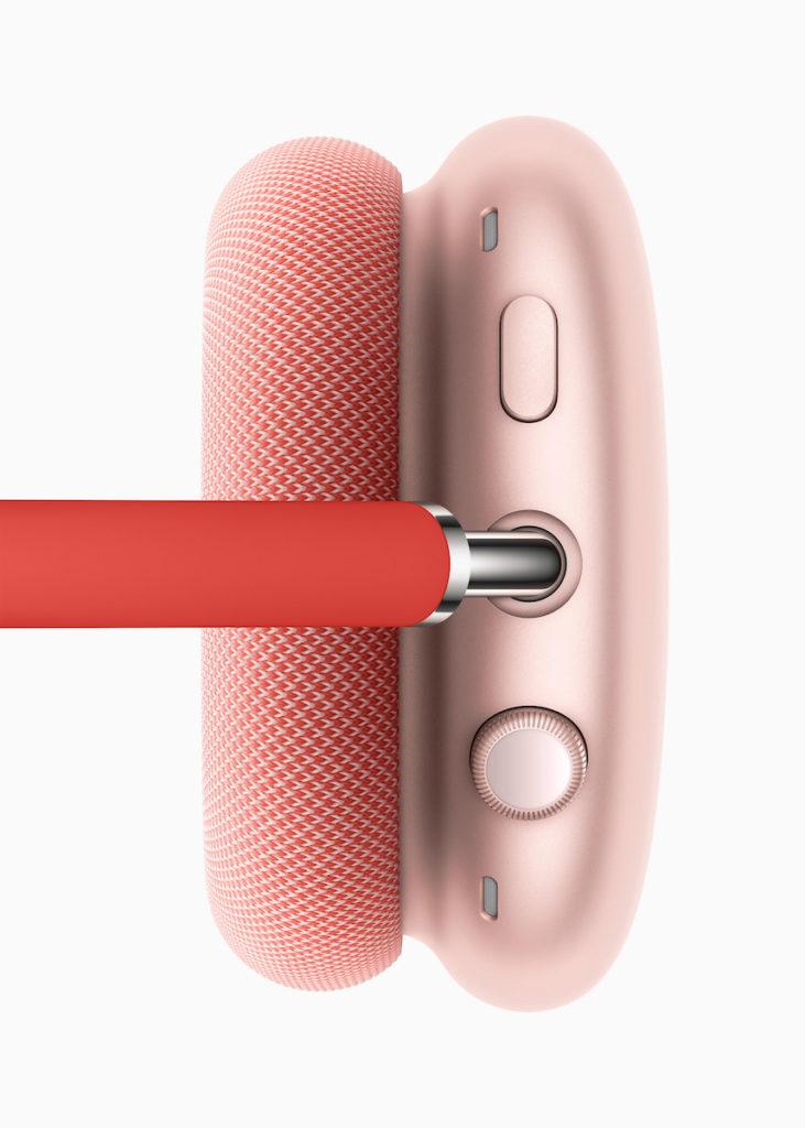 右側耳罩上方有一個像 Apple Watch 錶冠的數碼旋扭和噪音控制按鈕。