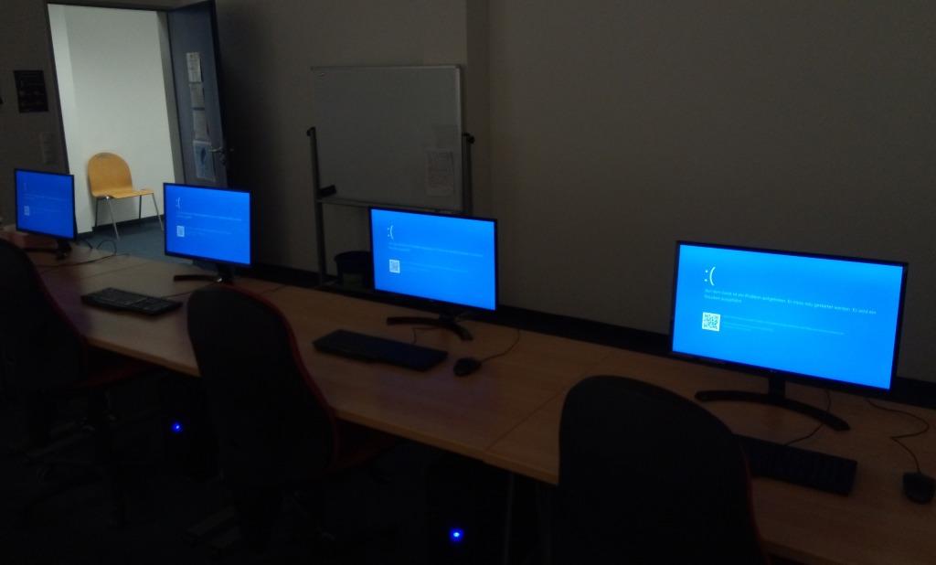 Windows 10 更新,讓大家重溫藍畫面的震撼