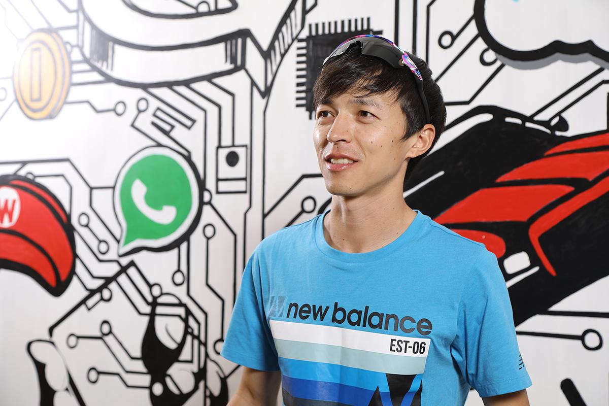 香港長跑好手魏賡是首批使用骨傳導真無線耳機 PEACE TW-1 的運動員。