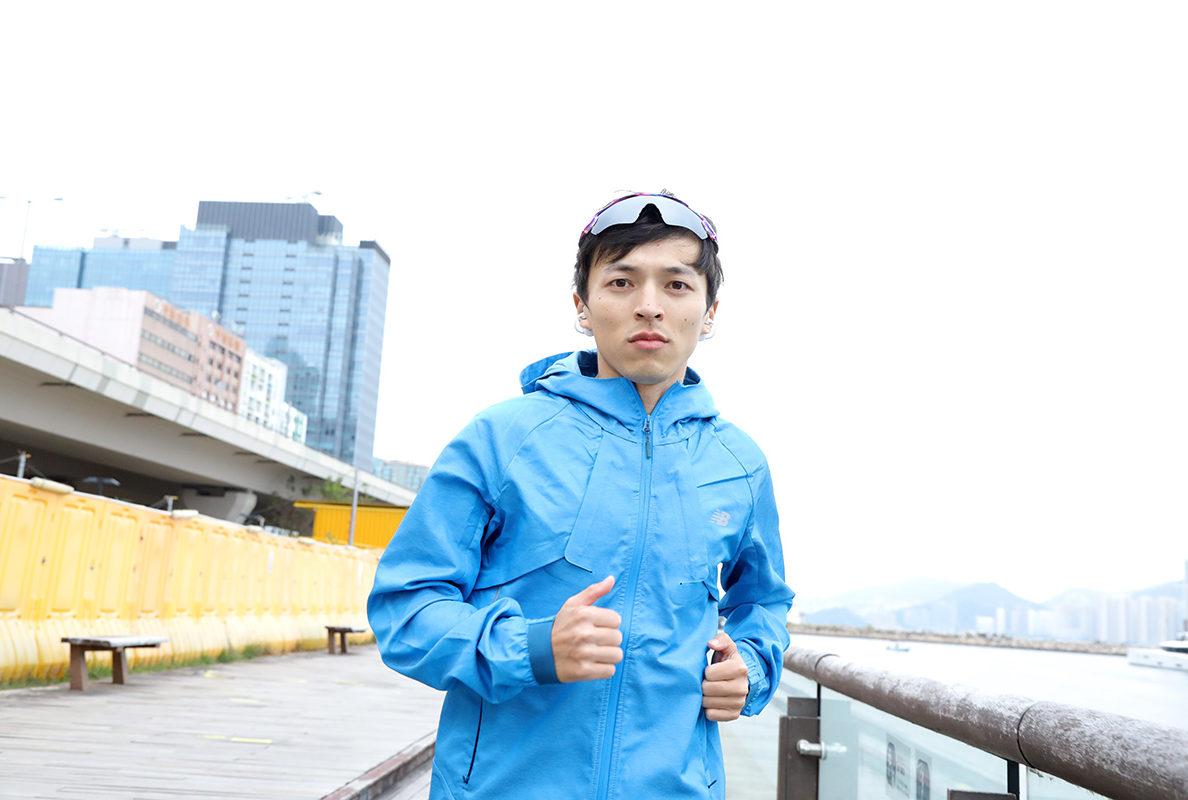不論是平時自己日常操練、教跑步班,或是參與跑步活動,都會戴著 PEACE TW-1 邊聽歌邊運動。
