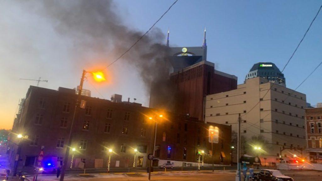 聖誕節凌晨美國田納西州納什維爾的 AT&T設施遭受自殺式炸彈襲擊,導致廣泛地區網絡服務停頓。