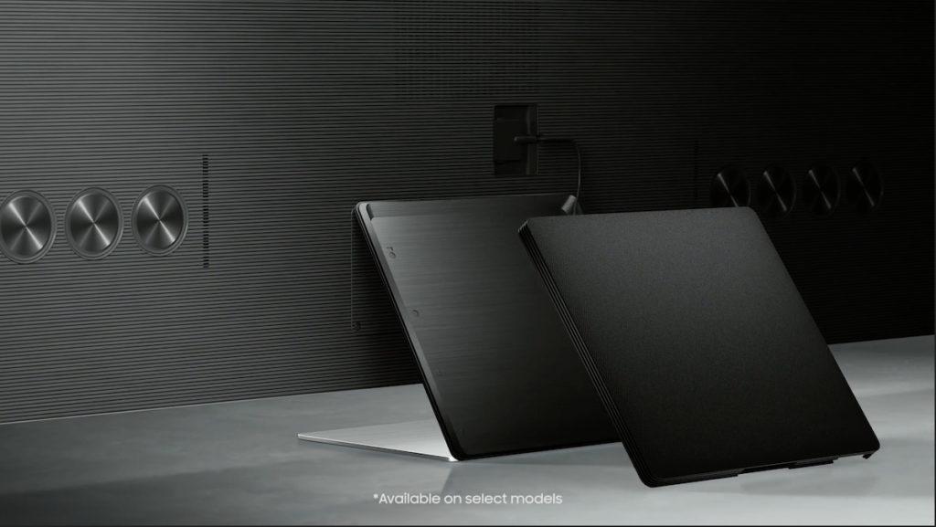 .新的 Slim One Connect Box 除了大幅縮減體積,也可以掛在座枱架後,令電視變成一體式。而掛牆時則可以拆開使用,方便走線。