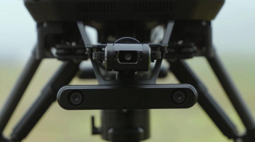 配備雲台相機,以及相信是空間定位的鏡頭