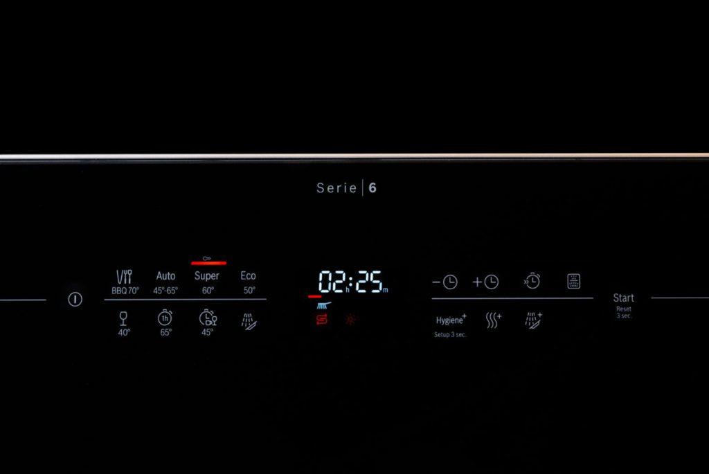 黑色玻璃機面配合輕觸式面板