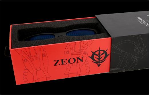 自護軍的包裝盒自然是紅色彗星渣古。