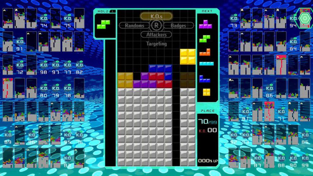 《 TETRIS 99 》的節奏極快,屬筆者最推薦的遊戲。
