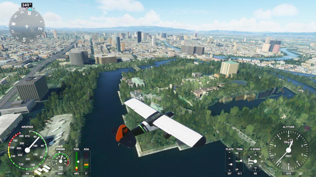 大阪城竟然是護城河裡一幢大樓,真是豈有此理。