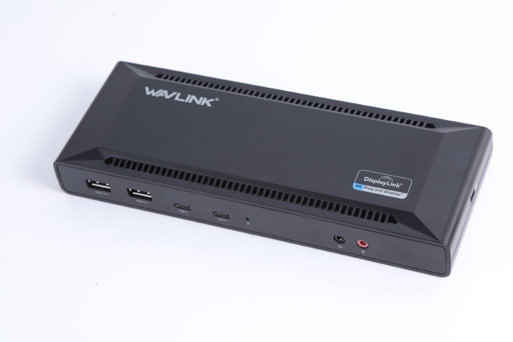 基座上的 USB Type-C 端子支援 Power Delivery 60W輸出,無論筆電或手機都能提供高速充電支援。