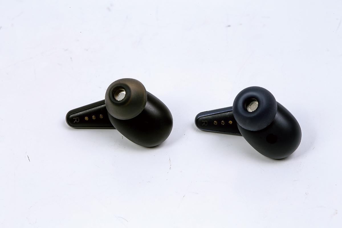 腔體、傳聲管及充電接位等也沒大分別,但兩代耳機並不能互換充電盒使用。