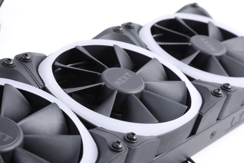 採用 RGB 版本的 Aer P 風扇,具有倒角進氣和流體動態軸承,可長時間以靜音運行。