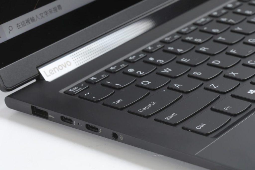 配備 Thunderbolt 4 的筆電能以單一組 USB Type-C 輸出 2 組 4K@60fps 或 1 組 8K@30fps 的影像