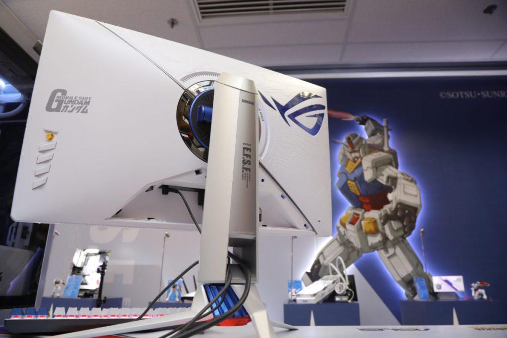 白色高達系列 ROG STRIX XG279Q 顯示器