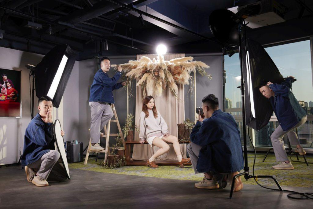 並提供攝影 Studio 及器材租用服務,什麼用來拍結婚相也可以