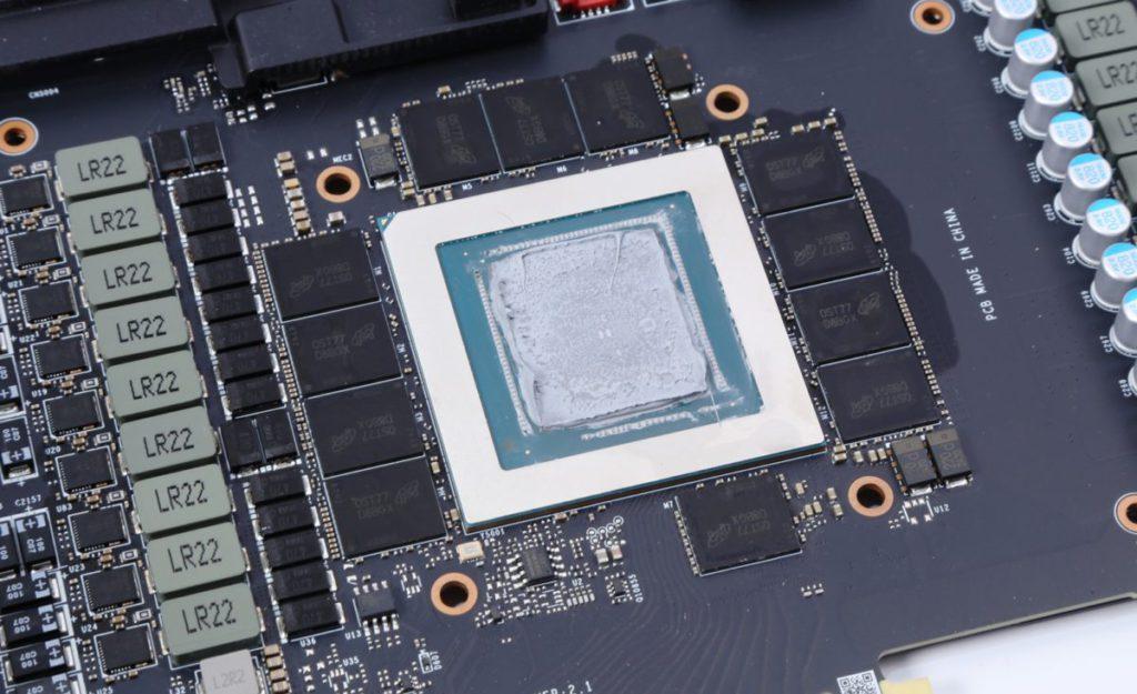 GA102 GPU 四邊佈滿各項元件