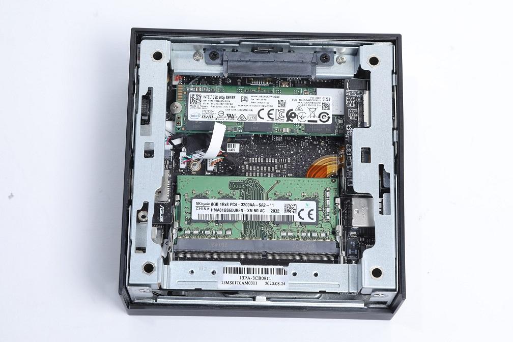 內附M.2 NVMe SSD及DDR4 SODIMM,預留有2.5吋SSD及加RAM用的SO-DIMM槽。