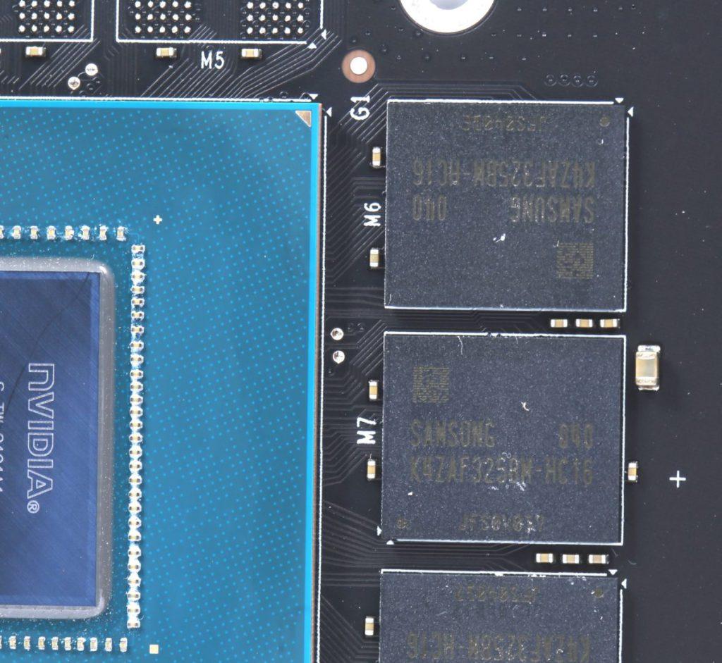 採用 Samsung K4ZAF325BM-HC16 16Gb 16Gbps GDDR6 ,單顆容量 16Gb ,較一般 8Gb 多一倍容量,所以只用單面 PCB 共 6 顆記憶體顆粒即可提供 12GB 的容量。