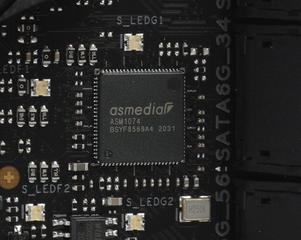Z590的USB介面不足以支援現今應用的需要,所以板上還是外加了ASMedia USB晶片。