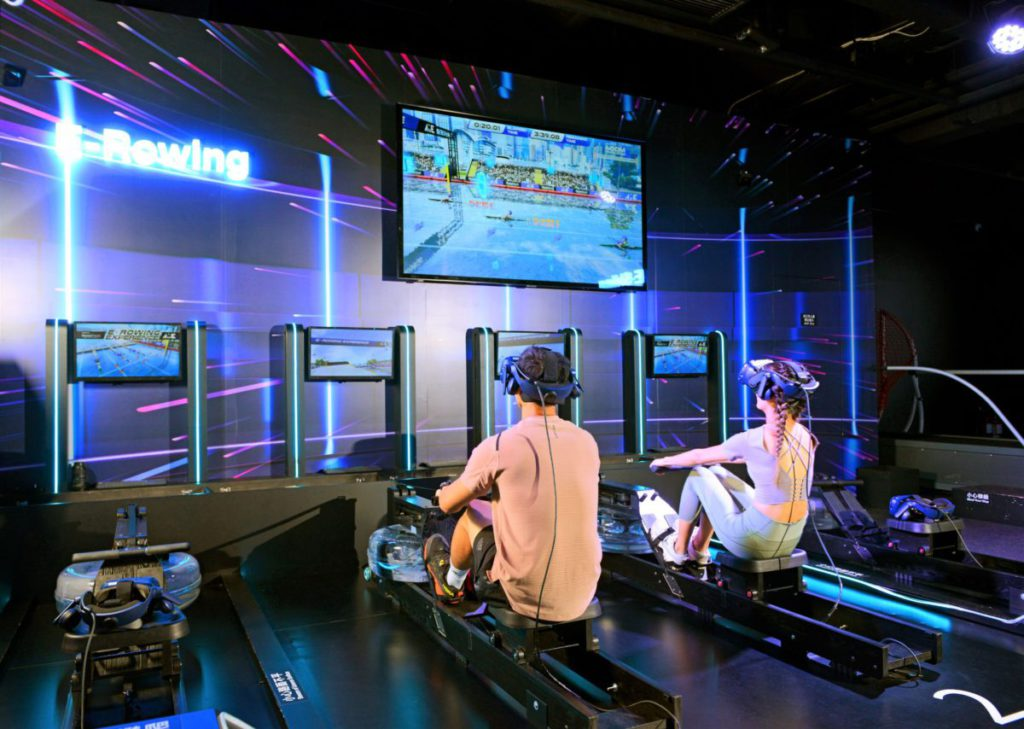 以 VR 方式投入於維港舉行的划艇賽事