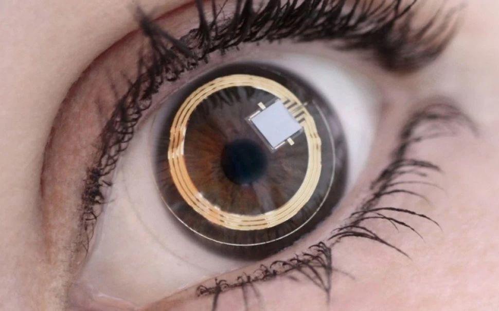 郭大師預測 Apple 會在 2030 年代推出 AR 隱形眼鏡,將電子產品由可視運算推向隱形運算紀元。