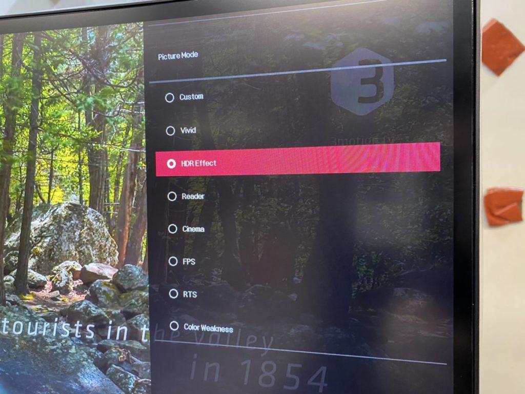 LG UltraWide 34WN80C-B 支援 HDR 。
