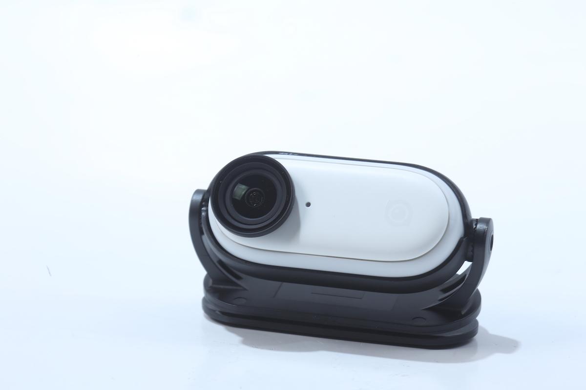 今次的機夾可以轉動,能配合更多夾在不同位置時的拍攝。