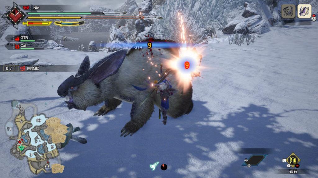 在高速滑動後會有空檔讓玩家攻擊。