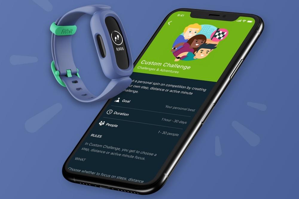透過手機程式,家長可以輕鬆查看子女的活動量、管理子女應用程式的顯示內容,以及核准孩子的好友邀請。