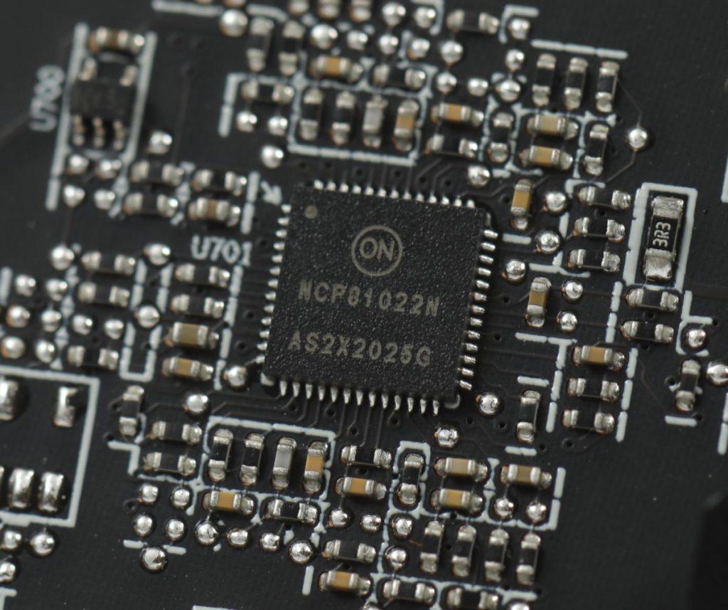 用料參考公版的設計,如採用 On-semi NCP81022 Dual Output 4 Phase Plus 1 Phase Controller。