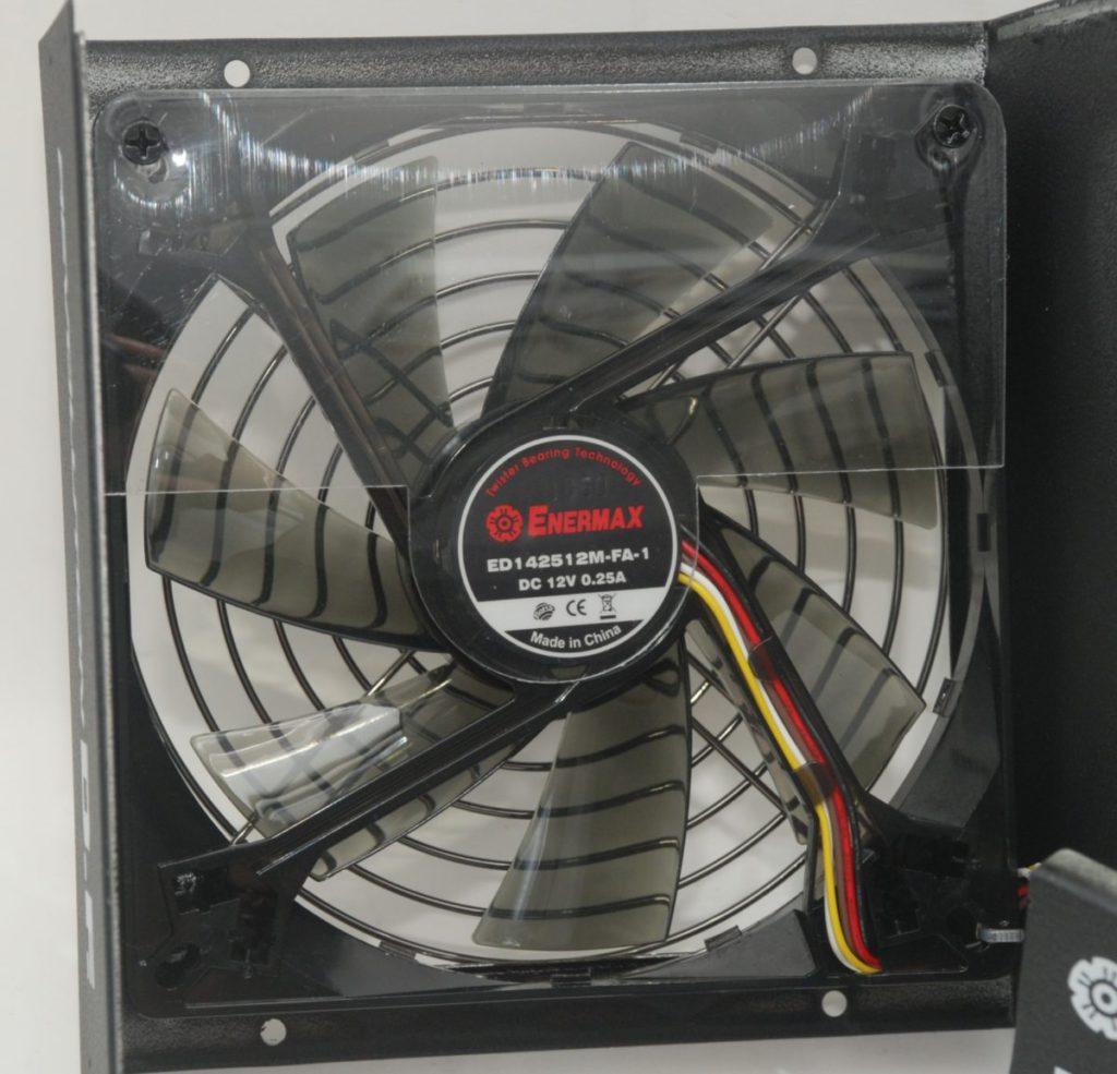 風扇上加入膠片以減少「入塵」