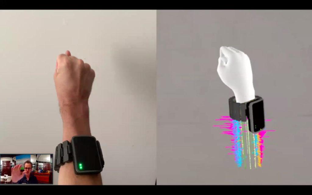 通過肌電圖感應器探測運動神經電子訊號,轉化為電子訊號控制用戶介面。