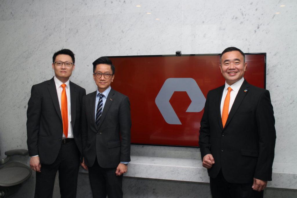 (左起)梁永健、羅偉文、陳錦全介紹 Pure Storage 新版本軟件 Purity 及新產品 FlashArray//C 。