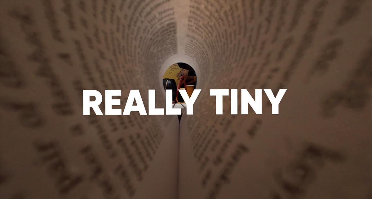 跟著再次強調機身「Really Tiny」。