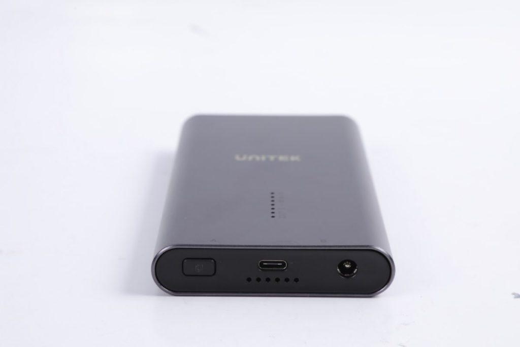 前方提供一鍵複製鍵、USB Type-C連接介面等等。