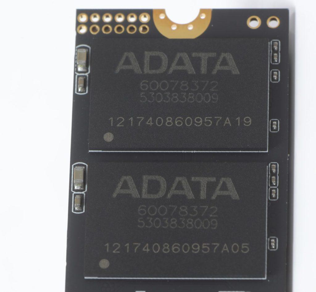 所用NAND Flash 顯示為ADATA 型號,據知該型號所用NAND Flash為SK Hynix TLC NAND Flash。