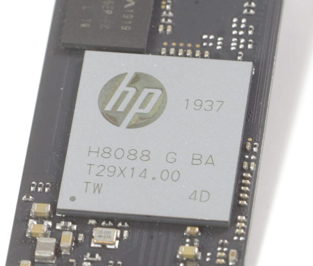 有HP Logo的主控,只知道它也屬於8通道的高性能設計。