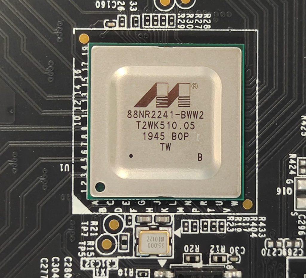 採用Marvell 88NR2241-BWW2 RAID 0控制晶片。